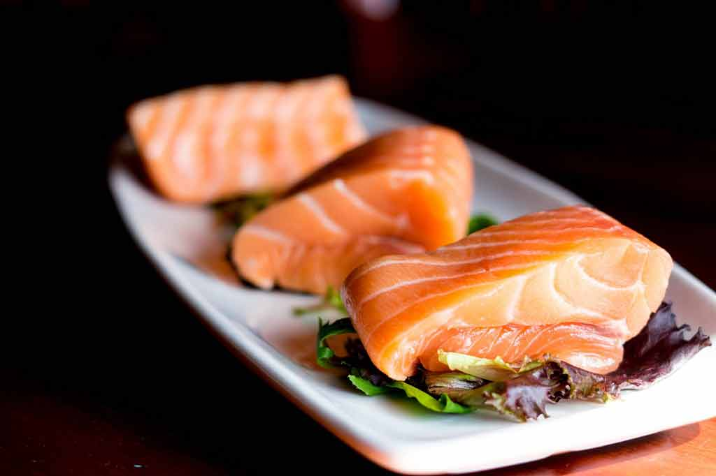 'Eating fish regularly' linked to lower risk of bowel cancer