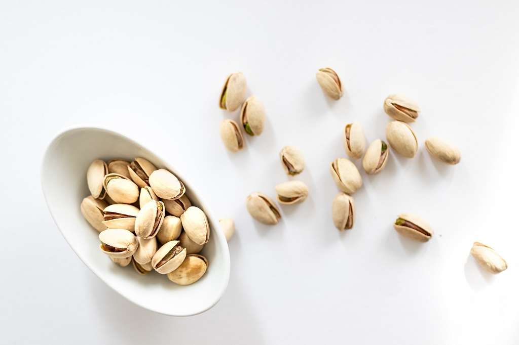 """""""A handful of pistachio nuts a day could protect your heart"""", reported the Daily Express. It said that a study has shown that the nuts bring down levels of """"bad"""""""