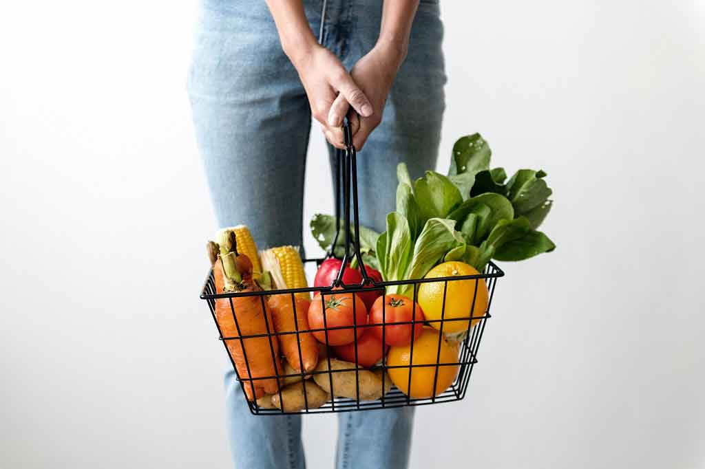 """Cutting out pesticides by eating only organic food could slash your cancer risk by up to 86 percent, a new study claims,"" the Mail Online reports"